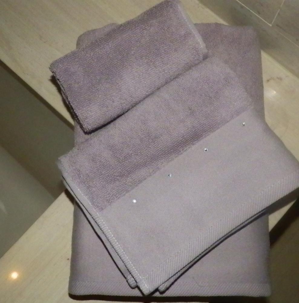 Bed, Bath & Kardashian?  (4/6)