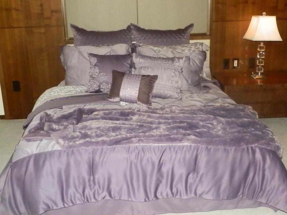 Bed, Bath & Kardashian?  (1/6)