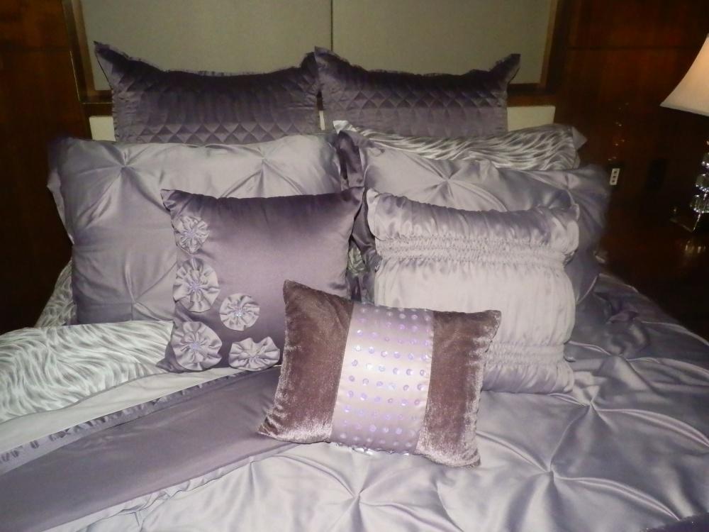 Bed, Bath & Kardashian?  (2/6)