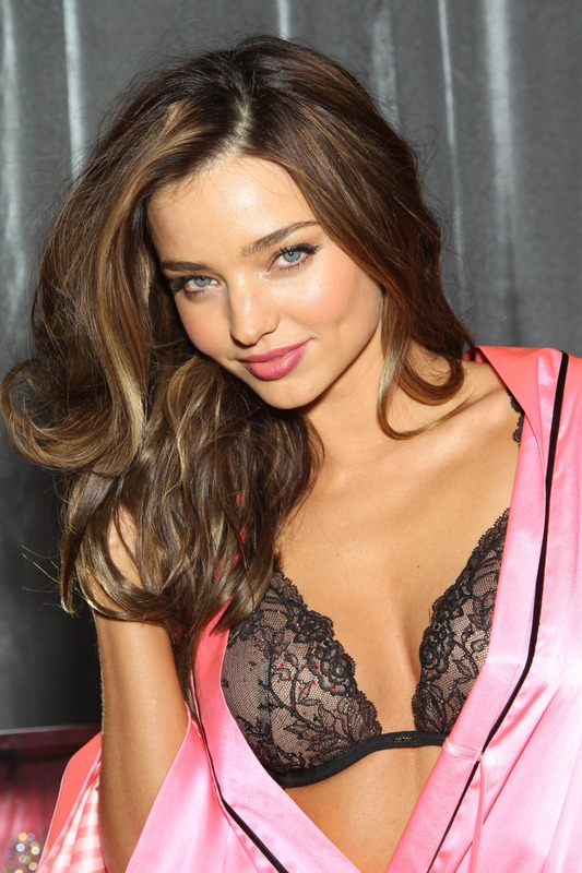 Miranda Kerr backstage at the 2012 VS fashion show