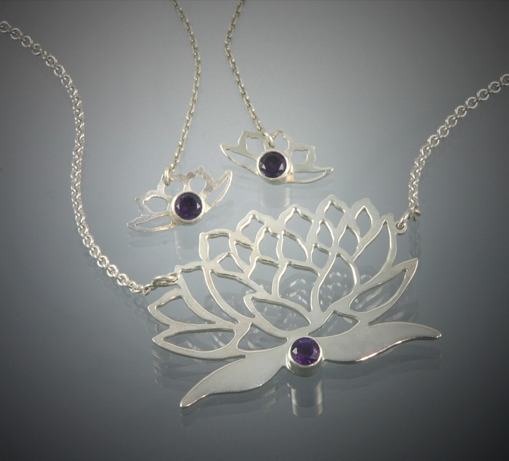 lotus_pendant_and_earrings_with_amethyst_5inch_300dpi
