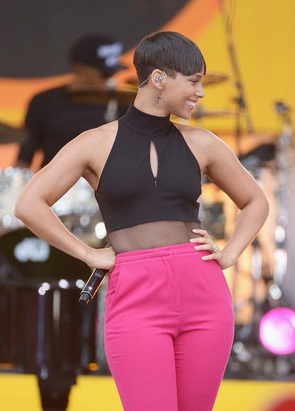 Alicia+Keys+Alicia+Keys+Performs+GMA+pRh2WmK0C5ol
